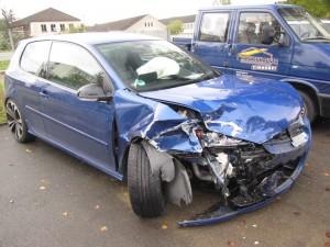 Kfz Unfall Schaden Wenn's gekracht hat?